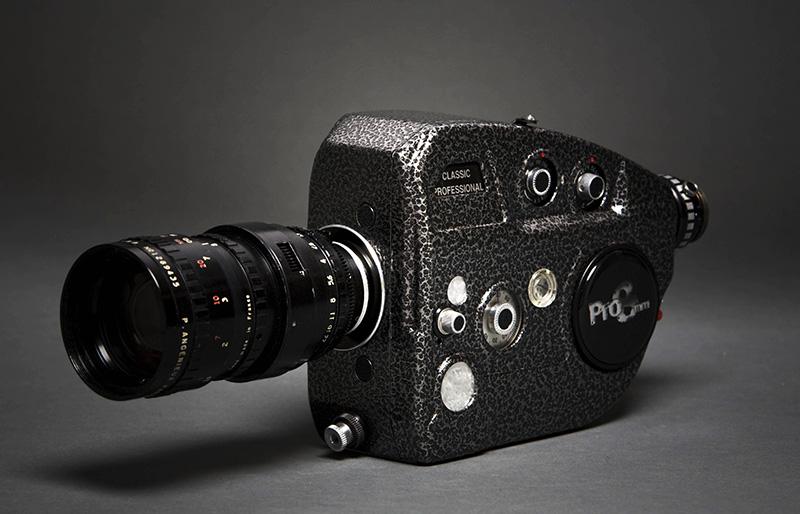 A venda de câmeras e projetores estourou por causa da pornografia