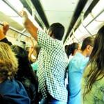 Mulheres são molestadas todos os dias em transportes públicos