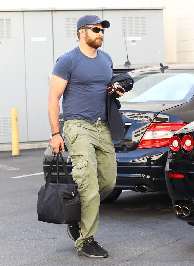 Brad Cooper engorda 18 kg para estrelar em American Sniper