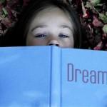 Cerque-se de pessoas que incentivem seus sonhos e que não achem suas projeções exageros