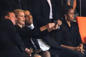 Michele nada feliz com o maridão Obama. E com razão.
